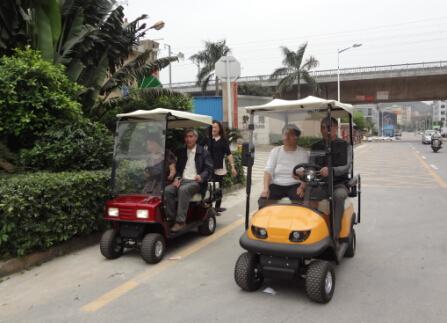 老年人使用的   四轮老年代步车   速度不能超过国标,一般在高清图片