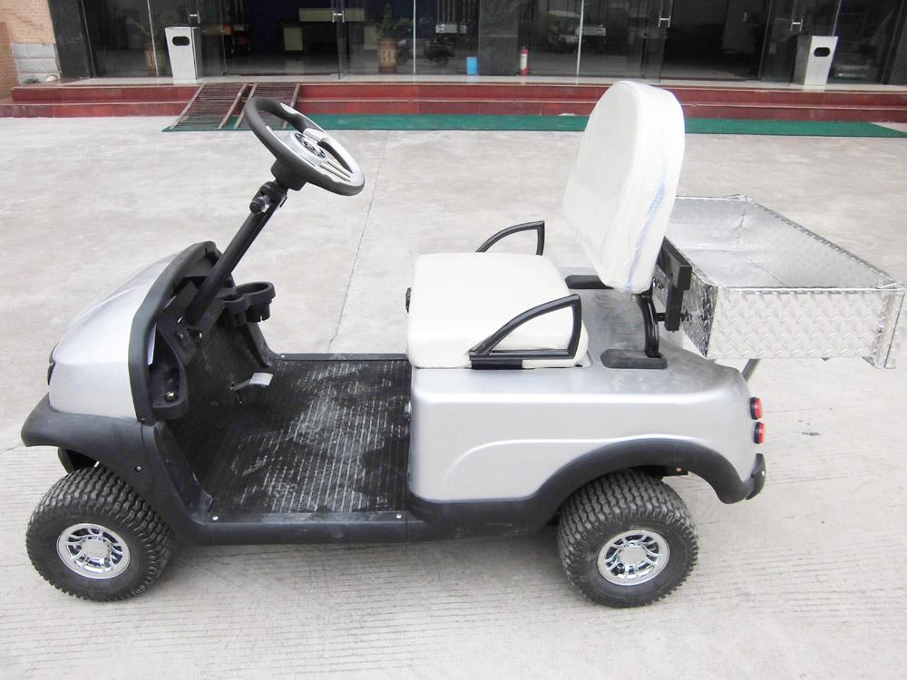 行,成为了家庭老年人理想的代步车.   老年代步电动车   !不高清图片